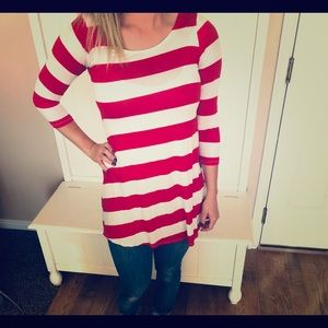 Red white and blue 3/4 length sleeve